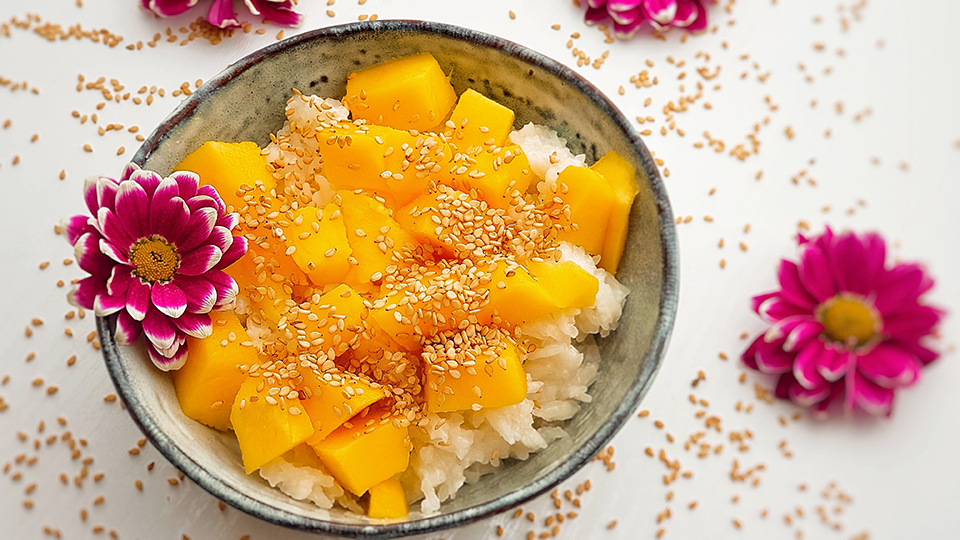 Easy mango sticky rice!